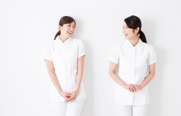 医療脱毛は1人または2人の看護師で対応