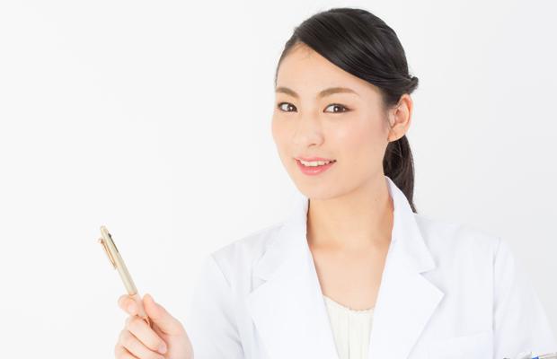 施術中の看護と介助